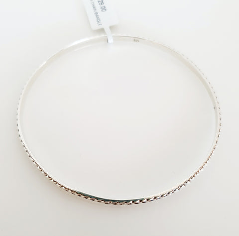 Sterling silver patterned bangle.