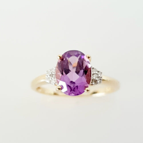 9ct Amethyst and Diamond ring