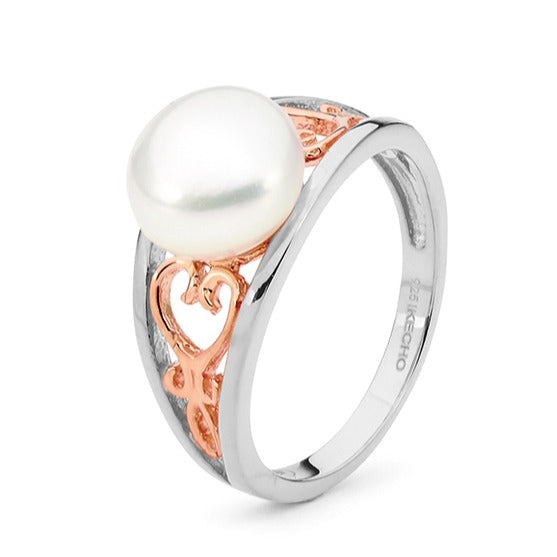 Sterling silver Freshwater Pearl ring.