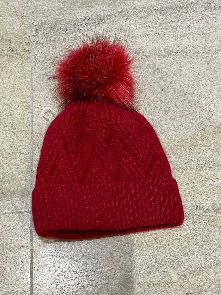 Pompon cable winter hat red STOCKSALE 21