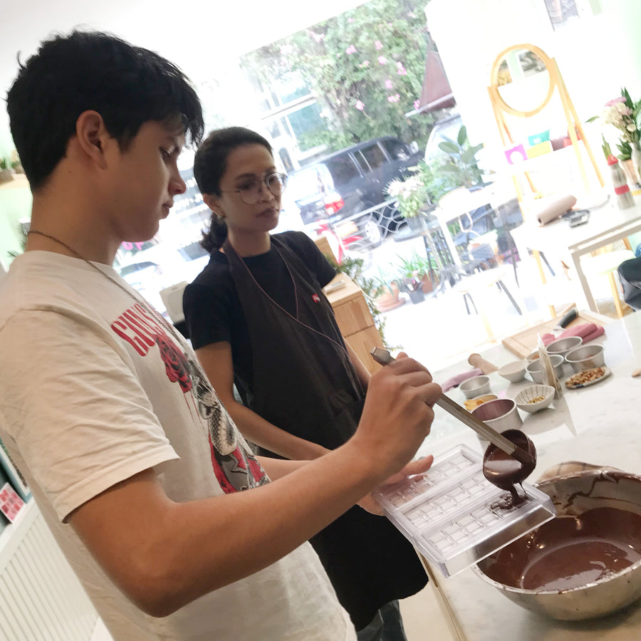 Build Your Own Chocolate Bar Workshop Party (3-6 ppl)