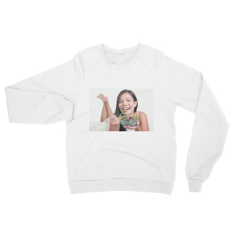 Smiling woman eating a healthy vegetable salad (Sweatshirt)