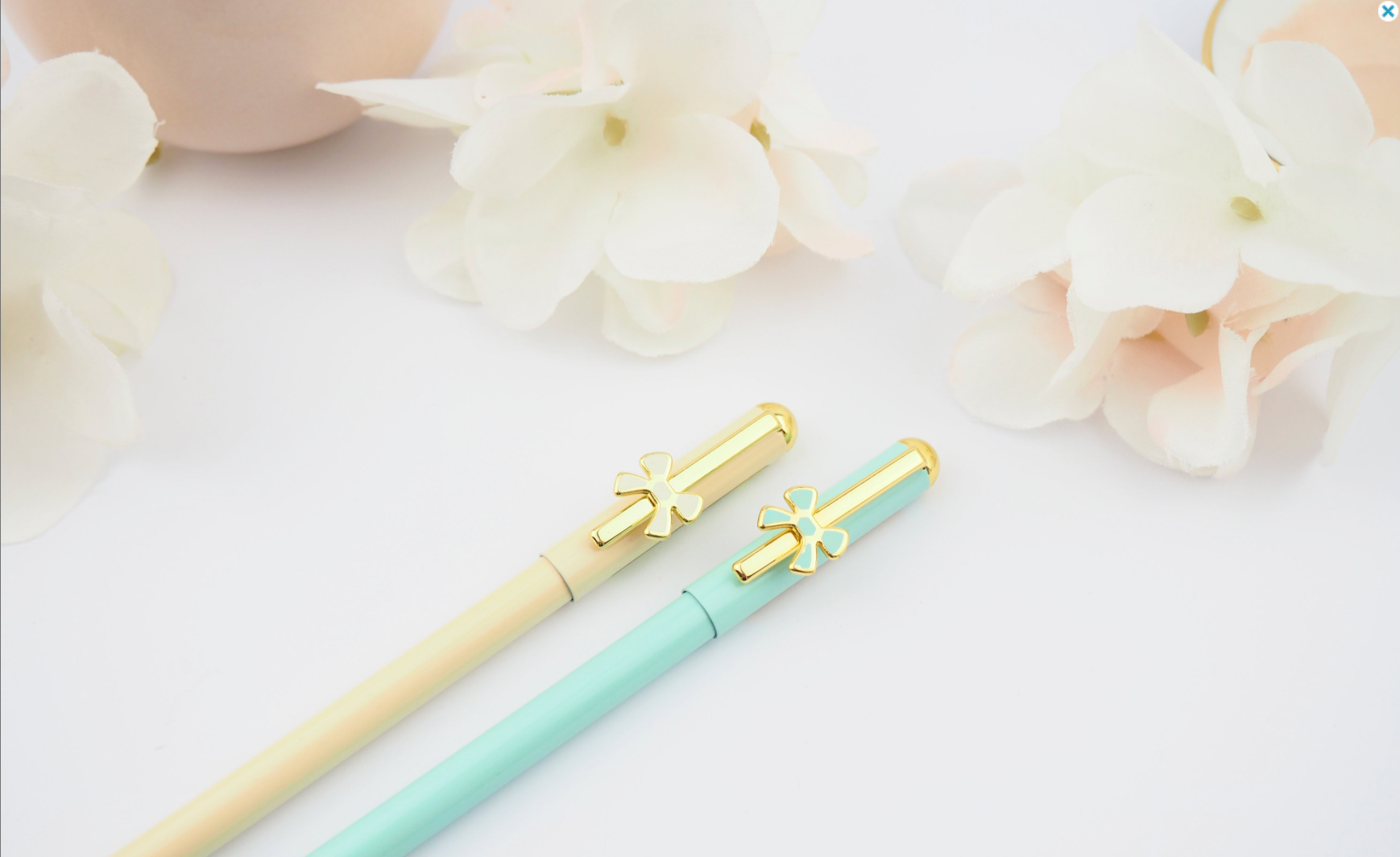 Pastal Bow Pen in Teal