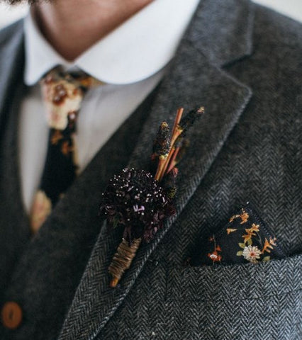 pocket square - complement but dont match