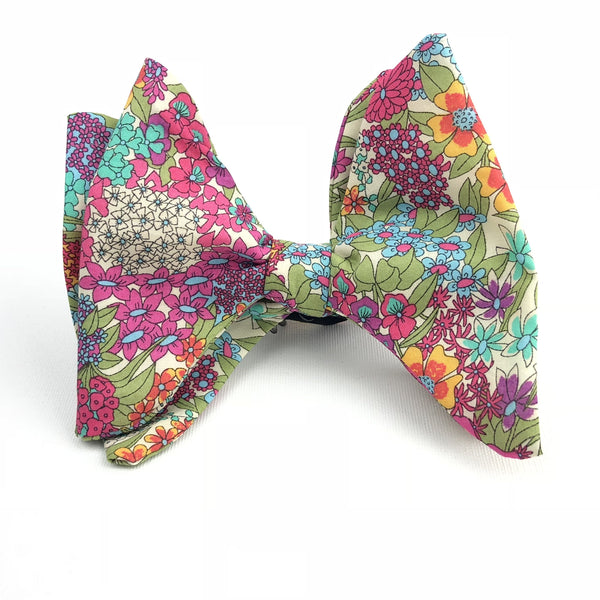 Rose Gold Butterfly Bow Tie