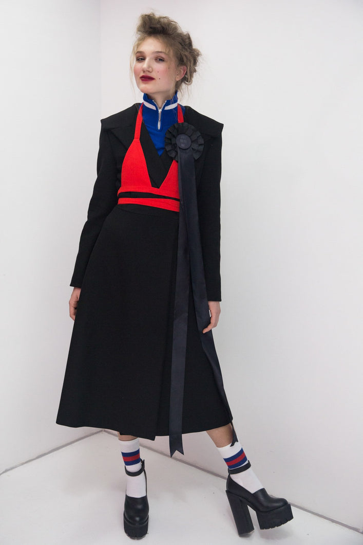 Coat with flat sailor collar