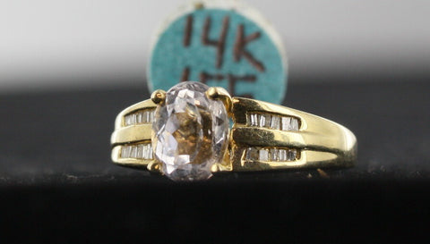 14kt Gold Lady's Ring With Accent Stones