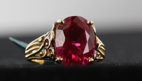 Big Red Stone Filigree Style Ring 1kt Yellow Gold