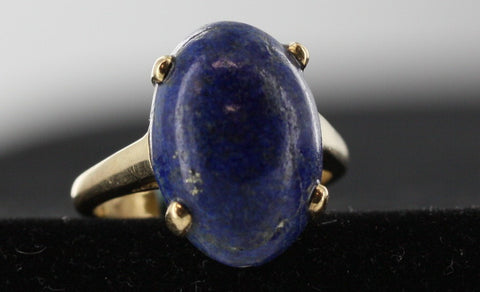 Lapis lazuli Ring With 14kt Yellow Gold Mount