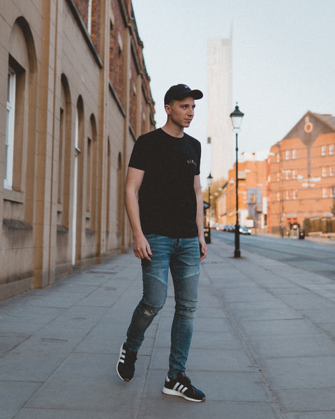 Nomad Tulips Tee. Travel inspired streetwear. Photo shot by @heyelenor.