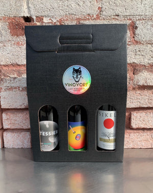 Sometimes you want to give a little bit everything! This rainbow box will include one bottle each of one of our favorite red, orange and rosé wines.  ***WINES SHOWN ARE FOR EXAMPLE ONLY!