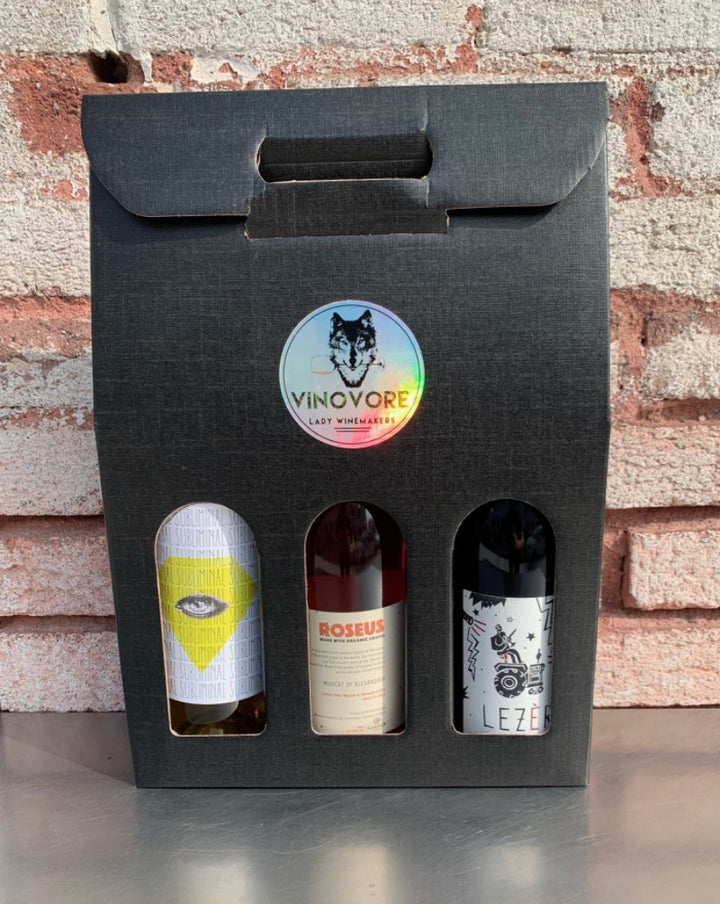 Sometimes you want to give a little bit everything! This rainbow box will include one bottle each of one of our favorite red, rosé and white wines.  ***WINES SHOWN ARE FOR EXAMPLE ONLY!
