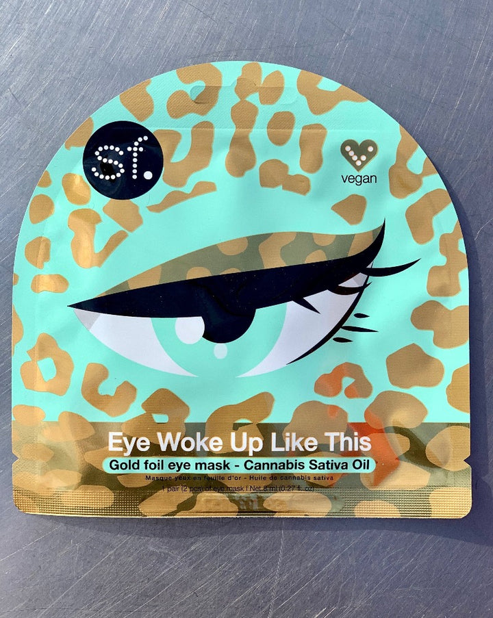 "Gold Foil Leopard Pattern Eye Mask with Cannabis Sativa. Tell your under eyes to just chill - you got this! Get rid of dark circles & puffy under eye bags with an ultra-calming and deeply hydrating pair of gold foil eye masks.  They instantly help brighten and smooth tired looking skin for a wide awake look. An effective treatment for your glam and chill skin routine — whether it's before putting on makeup, unwinding after a long day, or for ""just landed"" travel situations."