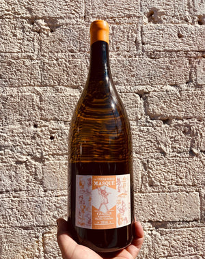 100% Chardonnay Burgundy, France.  Woman winemaker - Alice De Moor. All Natural  Magnum (2 bottles) Big beauty!!! Crashing ocean waves rolling over a creamy-apple, and lemon-anise beach. Savory and minerally with a touch of petrol.