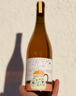 Verdello/Procanico/Malvasia/Drupeggio/Grechetto  Oriveto, Italy  Lady winemaker - Evita Eboli All natural. (no filtering, no fining, no added SO2) Orange wine. (6 days skin contact) Dry but filled with wild-sticky honeycomb and pulpy peaches. Golden apples. Dried pineapple + exotic spice.