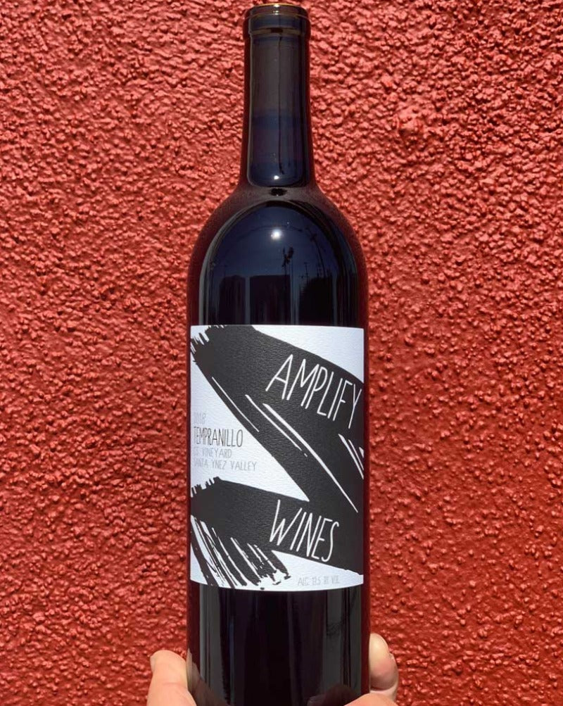100% Tempranillo Santa Ynez, California.  Woman winemaker - Marlen Porter. All natural. Vine cuttings from a suitcase from Spain. Cali homage to Rioja. Modern freshness with classic structure. Hazy fruit for lazy, lovely days. LIMITED. Lil' funk.