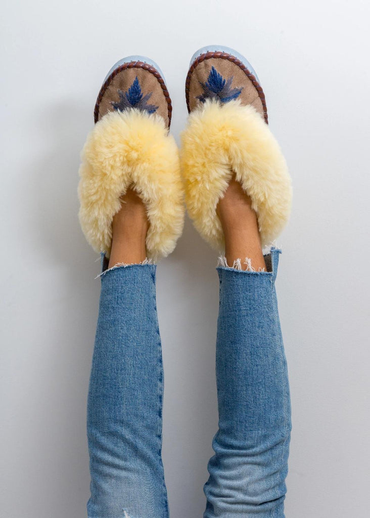 Sheepskin Moccasin Sand/Midnight
