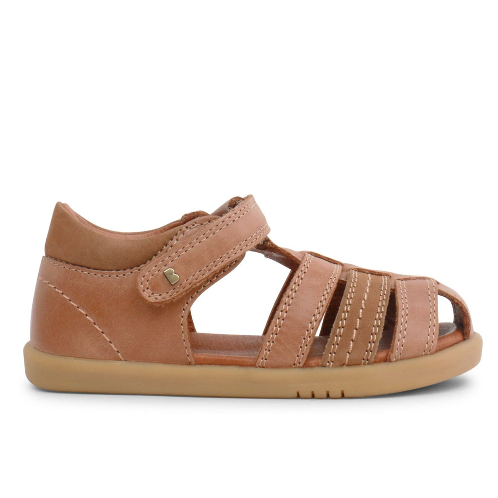 SU Roam Closed Sandal Caramel