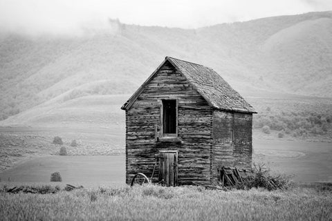 Black and White Wooden Barn Photograph | Farm Decor