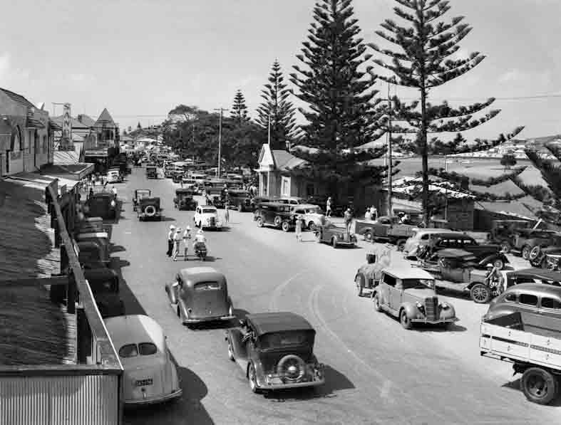 The Esplanade Traffic, Tweed Heads 1940's