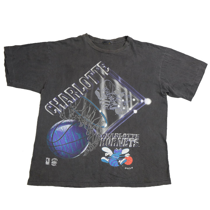 Vintage Charlotte Hornets Big Graphic T-Shirt - L