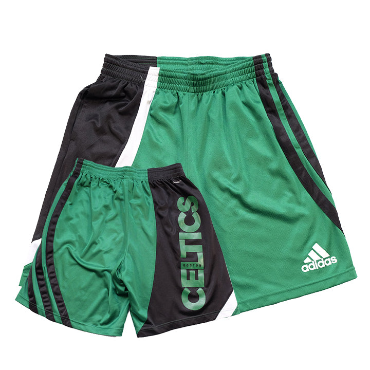 Vintage Boston Celtics Spell Out Shorts - M