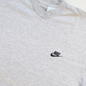 Vintage Nike Embroidered Logo T-Shirt - M