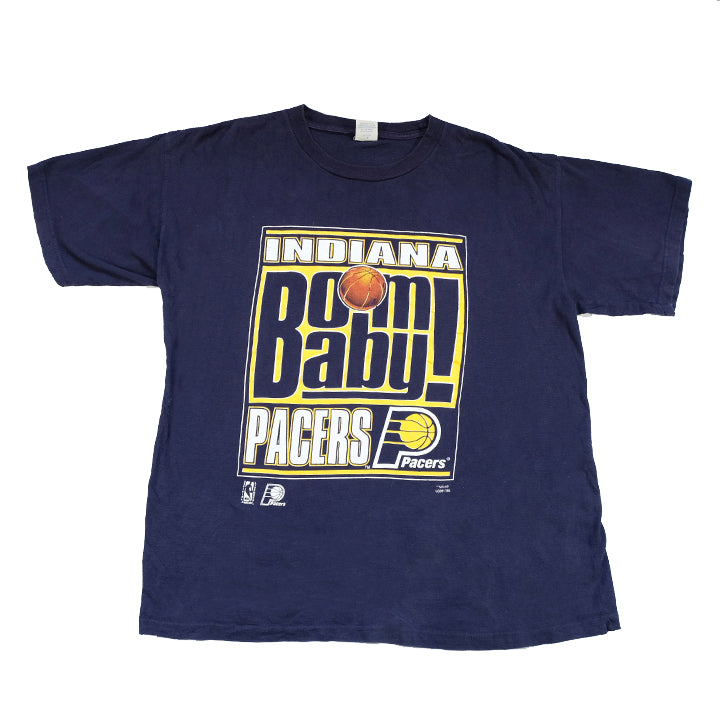 Vintage Indiana Pacers Big Spell Out Graphic T-Shirt - L