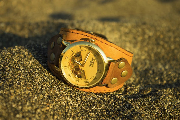 INTRODUCING THE GOLDSTRIKE WRISTWATCH.