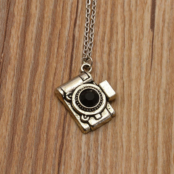 Silver plated mix design pendant necklace