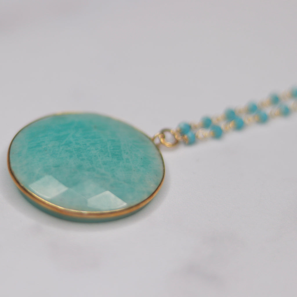 Round Aqua Marine Pendant on Brushed Gold Etched Oval Chain Necklace  NEW