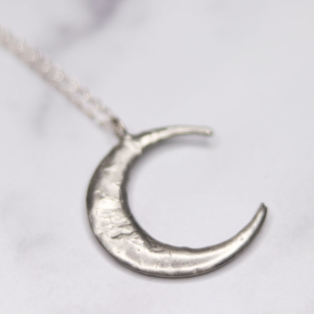 Sterling Silver Soldered Wrap Crescent Moon Pendant Necklace  NEW