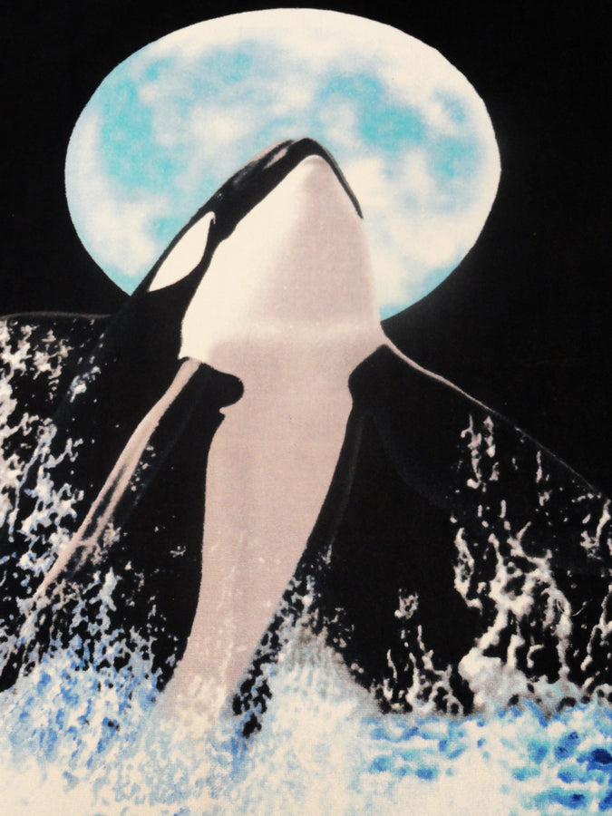 "Killer Whale Beach & Bath Towel (30"" x 60"")"