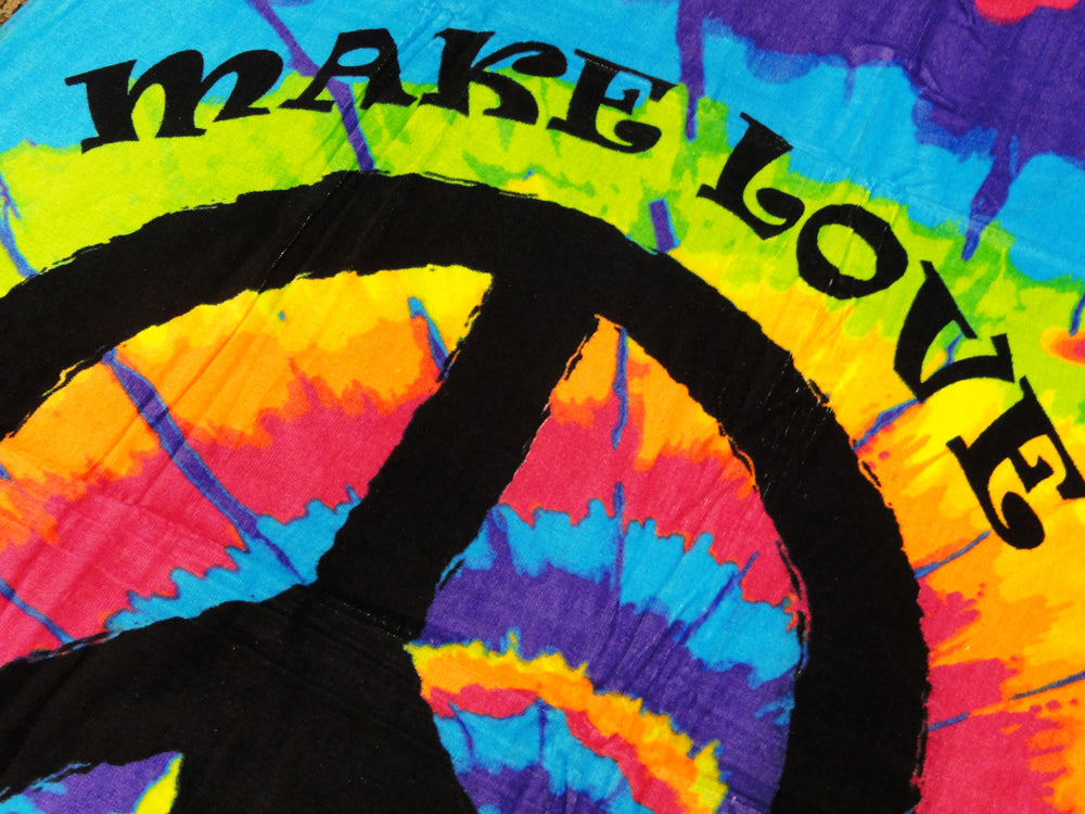 "Make Love Not War Tie Dye Beach and Bath Towel (30"" x 60"")"
