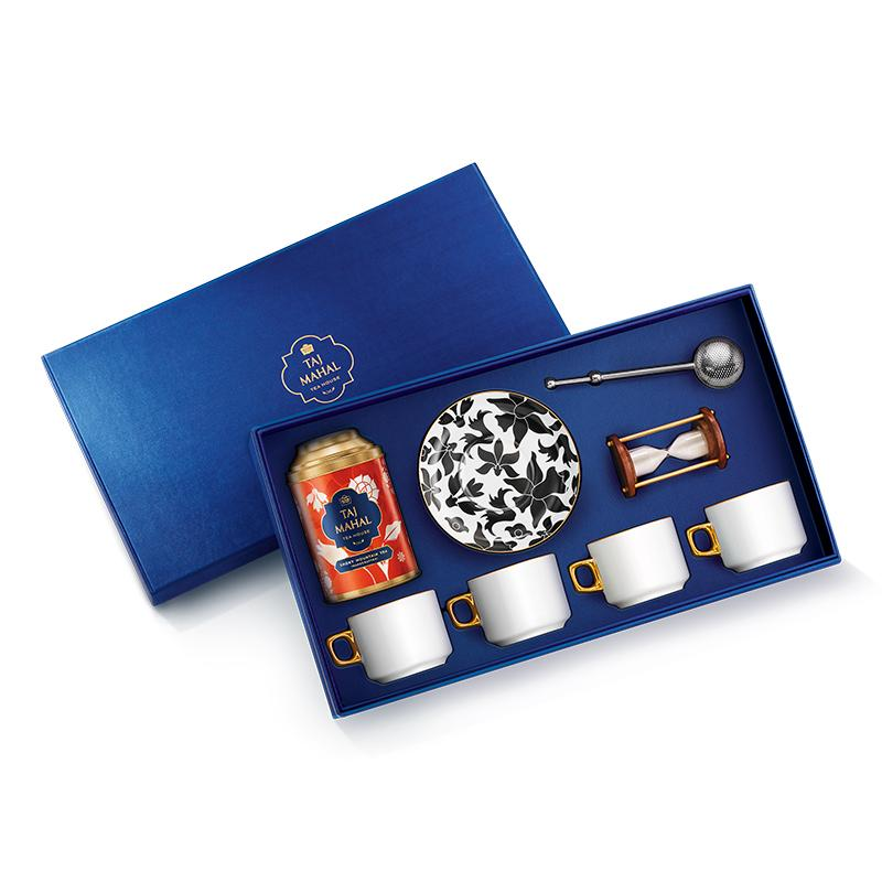 Bahar 24K Gold Plated Gift Set for Four with Smoky Mountain Tea and Accessories