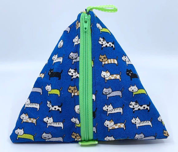 Triangle Pouch | Lined Up Cats on Bright Blue