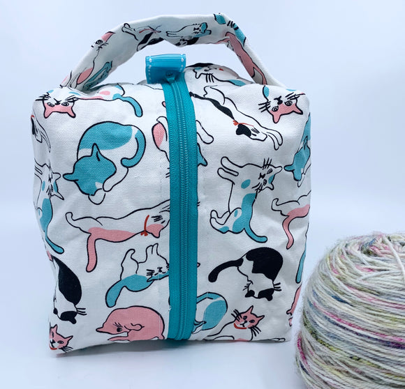 Small Box Bag | Posed Cats in Teal and Pink