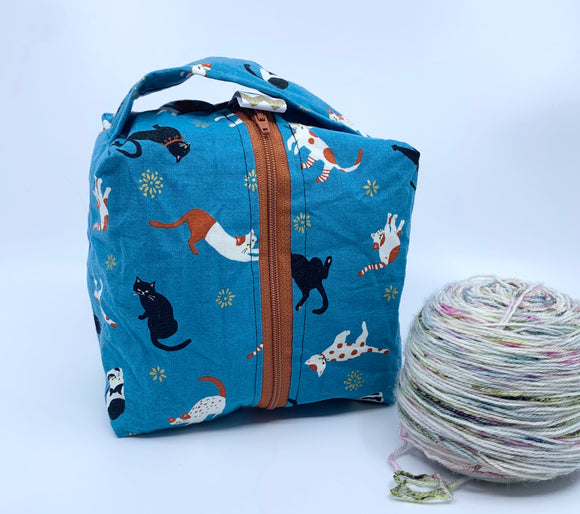 Small Box Bag | Stretchy Cats on Teal