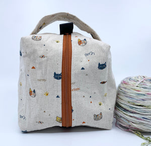 Small Box Bag | Cat Heads and Fishes on Linen