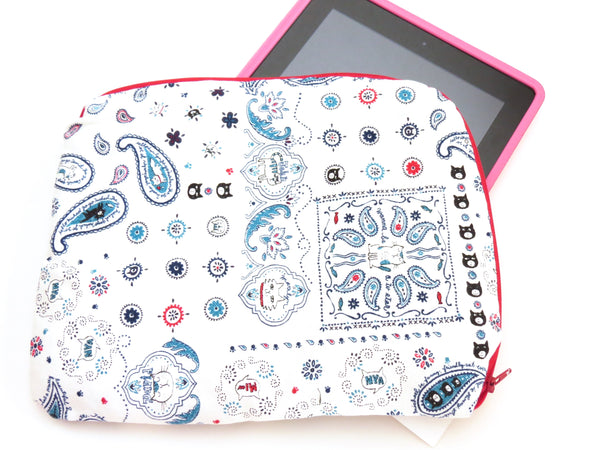 Tablet Cover || Bandana Cats Want to be TV Stars