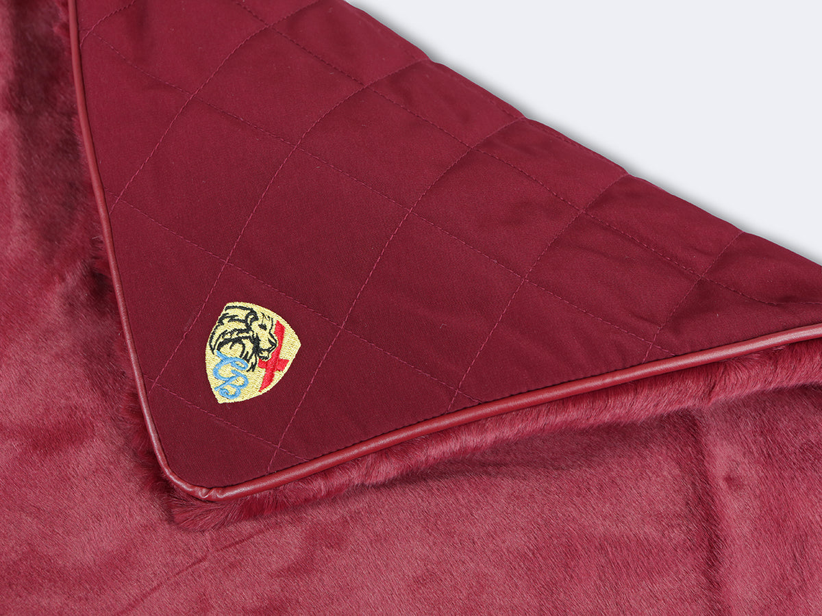Holmsley Pet Throw – Oxblood Red, 70 x 55cm (27.5 x 22in.)