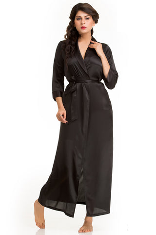 Flirty long robe in soft satin
