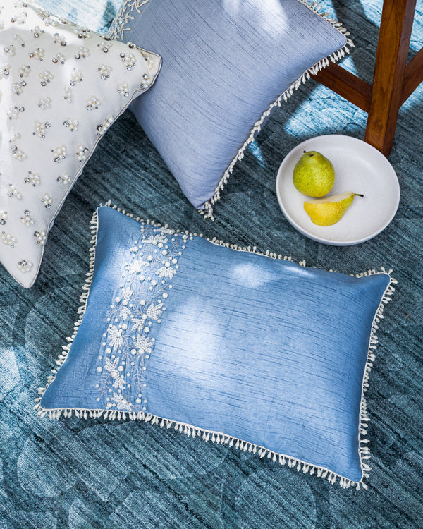 The pearl border cushion cover
