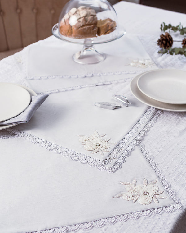 Ice linen and lace