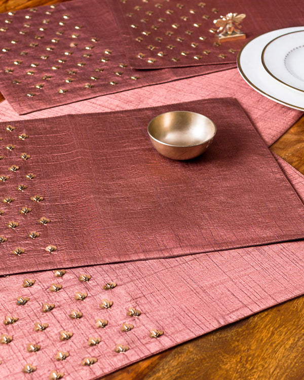 Chikoo table runner and mats