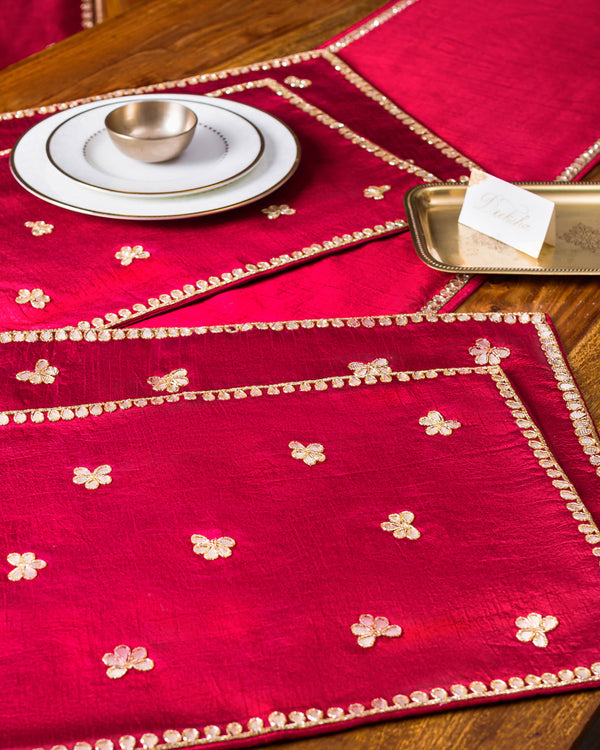 Shadi in vogue Table Runner and mats