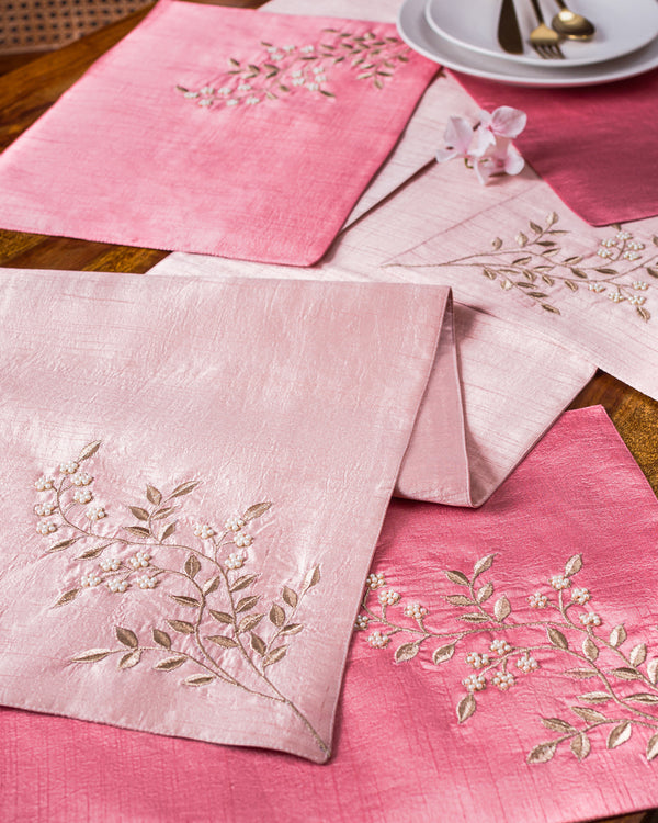 Pearl branch Table Runner and Mats