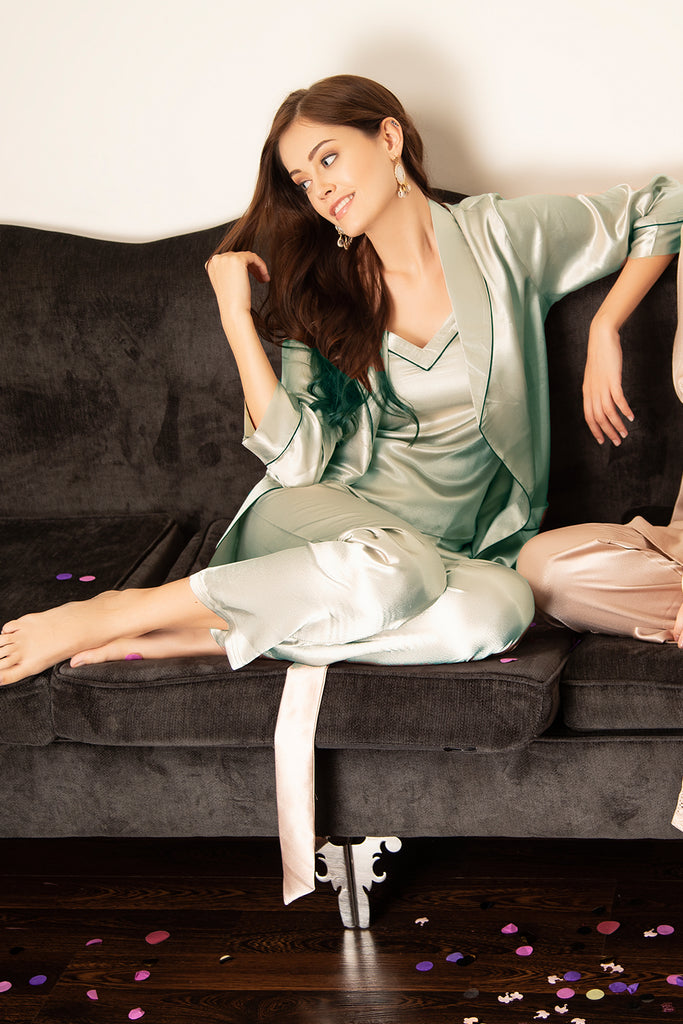 Top Pyjama & Robe in Satin - Grey