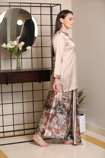 Wrap yourself in this North Indian inspired Lungi Kurta in Soft Satin