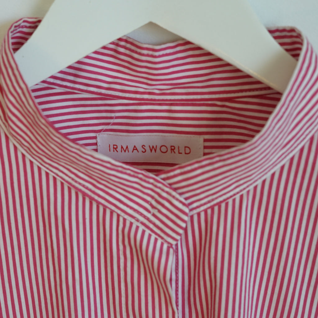 IRMA Travel Collection red-white striped shirt